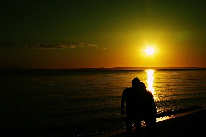 Sunset couple. By [N}ck (creative commons)