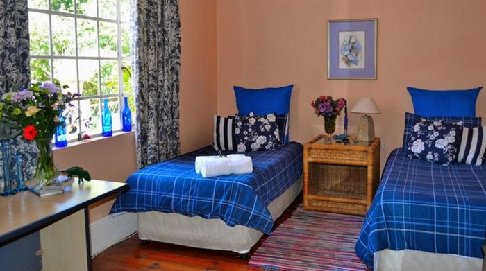 Pension Idube Budget B&B and Backpackers (C) TravelGround