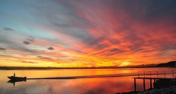 Waters Edge's view of fiery skies (TravelGround)