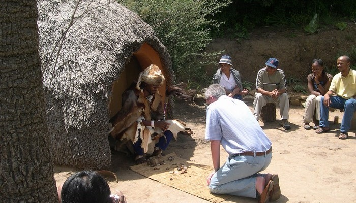 Basotho Cultural Village house (C) mifl68 (Flickr)