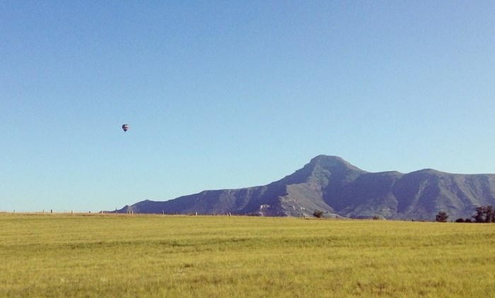 Hot air balloon and horeb mountain range via juliabrownlee (Instagram)