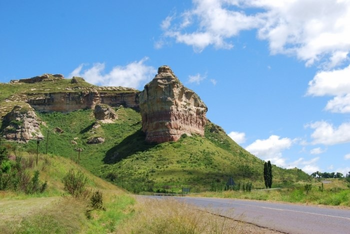 Titanic_Rock_Clarens via Ossewa (Creatve Commons)