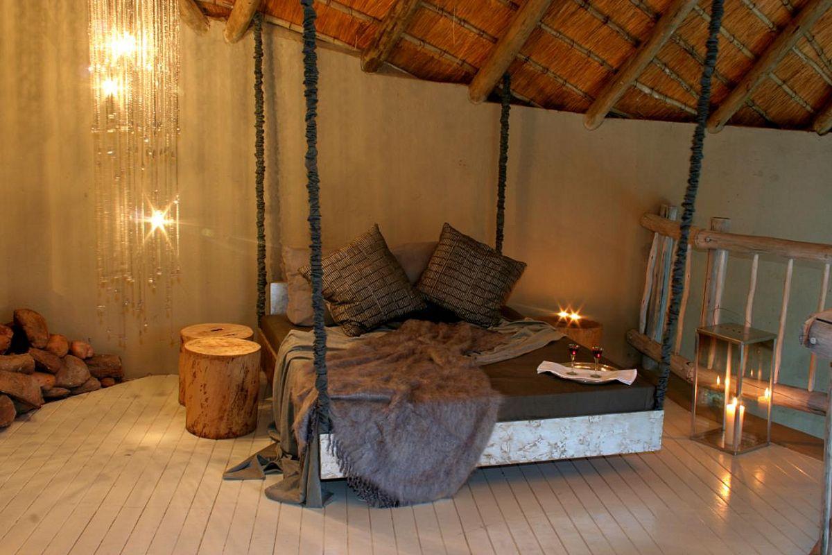 By dié lodge slaap jy luuks in die hartjie van die Afrikabos | Foto: LekkeSlaap.