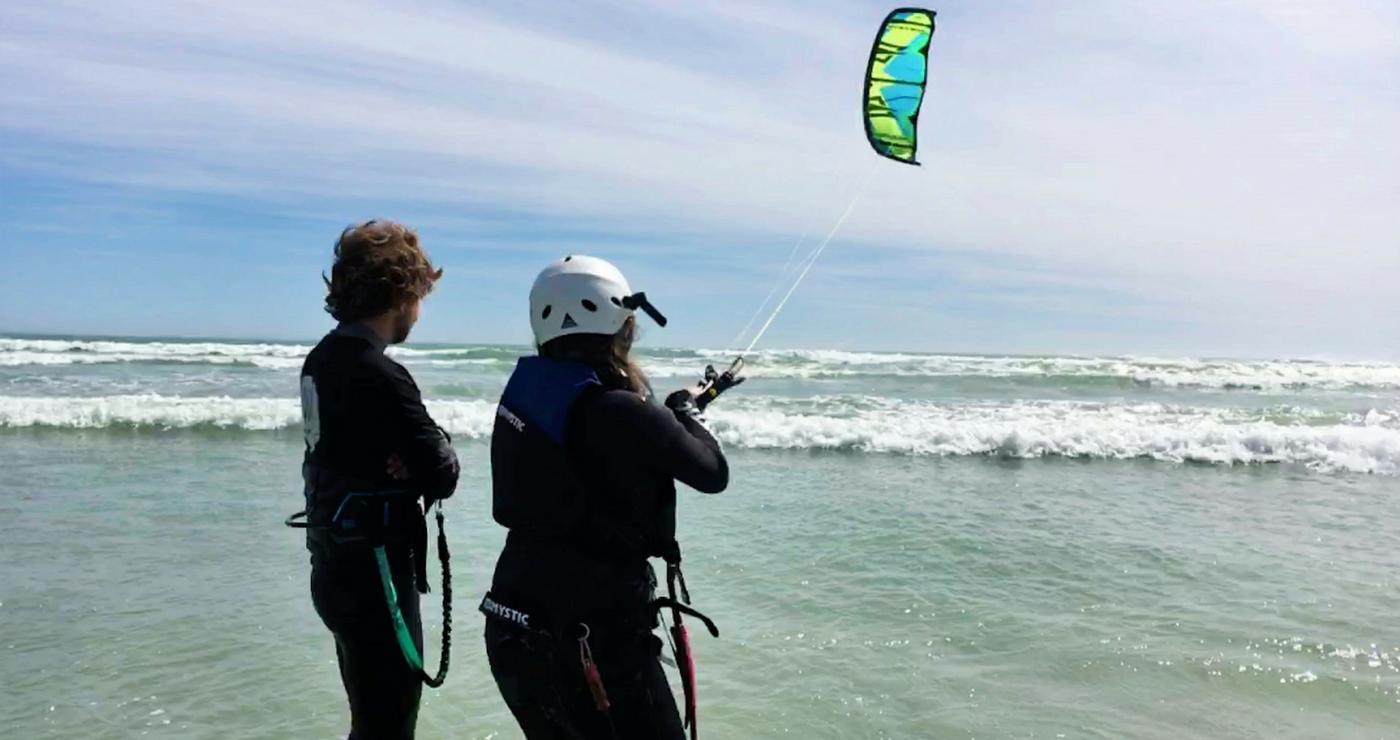 Kitesurfing lesson - Coastline