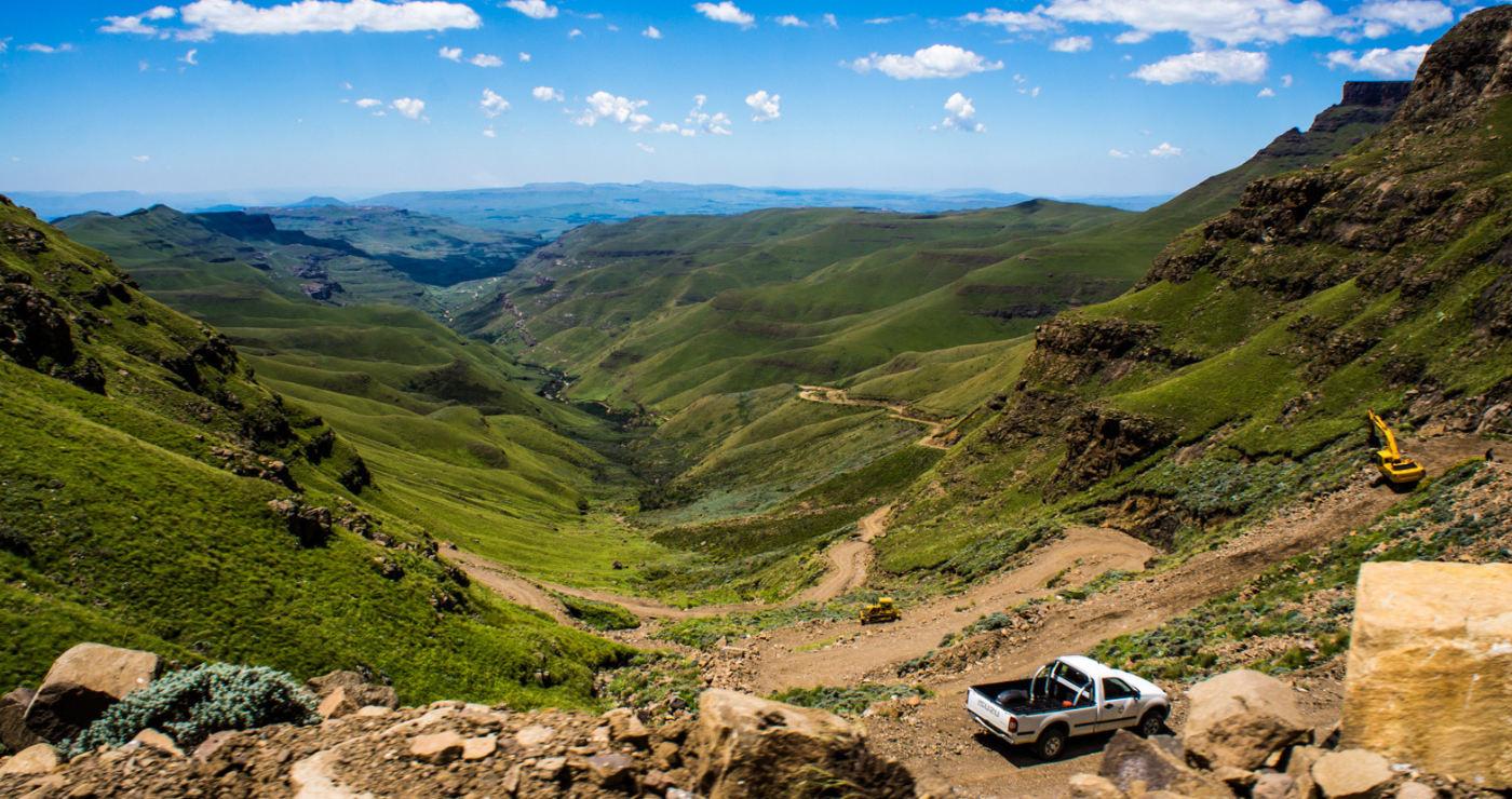 A view of the Sani Pass (Wikimedia Commons)
